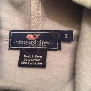 Vineyard Vines Shirts & Tops - Vineyard Vines- Boys Size 5 sweatshirt.